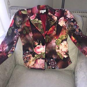 Alberto Mikali patterned jacket.